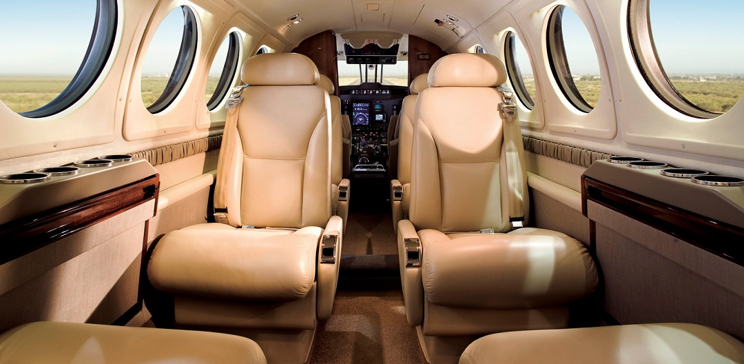 Beechcraft-King-Air-200-int